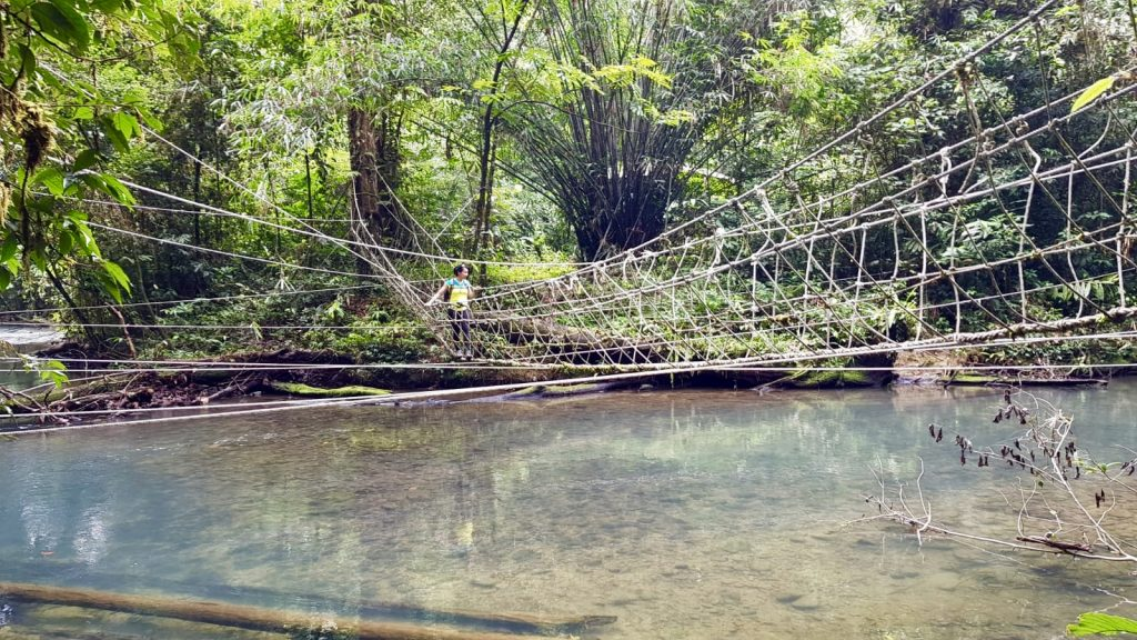 Rope bridge river crossing on Headhunters Trail from Mulu to Limbang