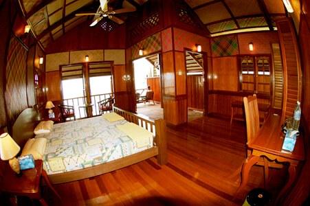 Chalet Accommodation at Kapalai