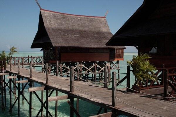 Chalets and boardwalk at Kapalai Resort 1