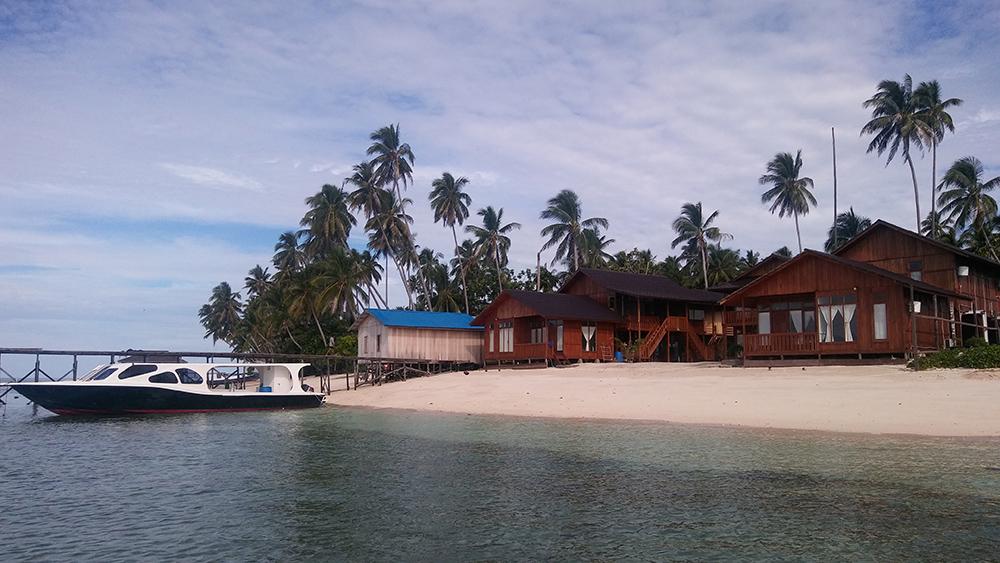 Derwan Dive Lodge front view