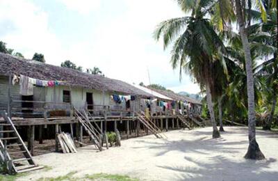 Saham Village Betang
